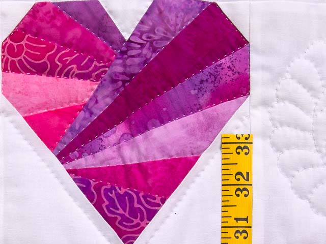 Rose and Cream Patchwork Hearts Crib Quilt Photo 4