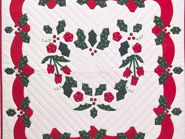 Red and Green Holly Heart Wall Hanging Photo 2