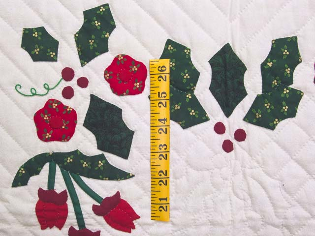 Red and Green Holly Heart Wall Hanging Photo 3