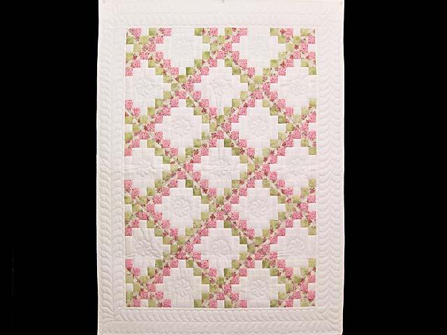 Rose Green and Cream Irish Chain Crib Quilt Photo 1