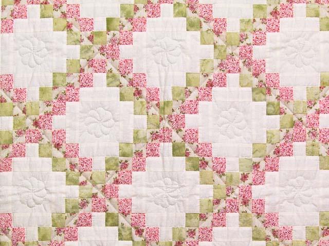 Rose Green and Cream Irish Chain Crib Quilt Photo 2