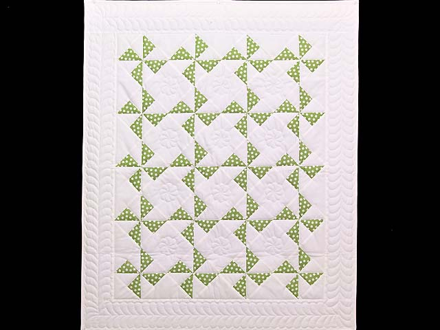 Green Polka Dot Pinwheel Crib Quilt Photo 1