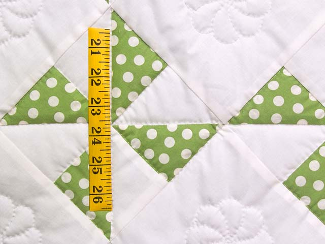 Green Polka Dot Pinwheel Crib Quilt Photo 4