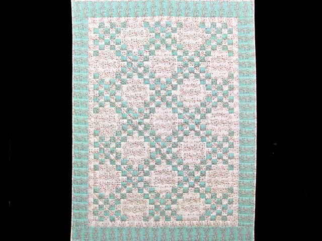 Aqua Rose and Cream Irish Chain Crib Quilt Photo 1
