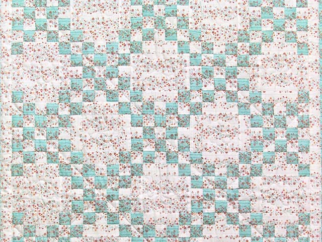 Aqua Rose and Cream Irish Chain Crib Quilt Photo 2