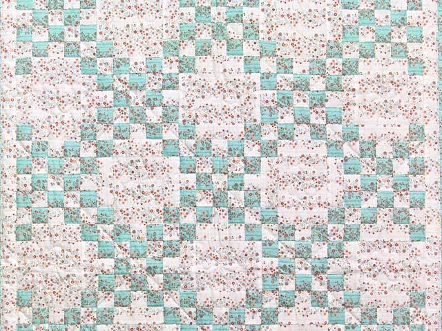 Aqua Rose and Cream Irish Chain Crib Quilt Photo 2