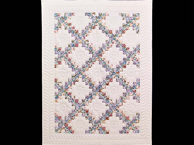 Blooming Irish Chain Crib Quilt Photo 1