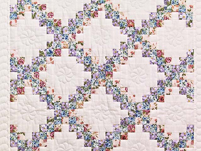 Blooming Irish Chain Crib Quilt Photo 2