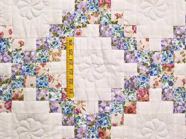 Blooming Irish Chain Crib Quilt Photo 3