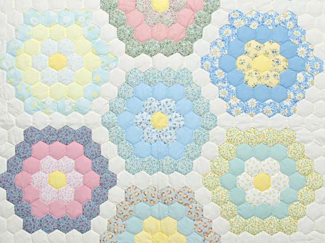 Pastel Flower Garden Crib Quilt Photo 2