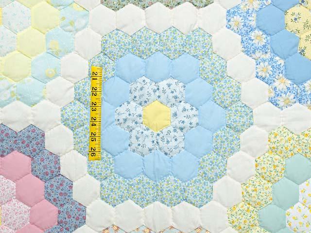 Pastel Flower Garden Crib Quilt Photo 3