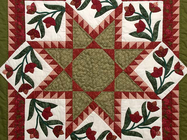 Red and Green Flowering Star Wall Hanging Photo 2
