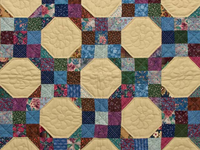 Green Country Style Snowball Crib Quilt Photo 2