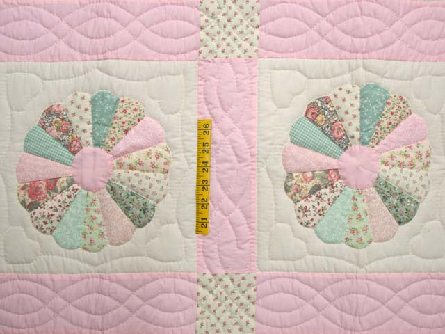 Pastel Pink Dresden Plates Crib Quilt Photo 3