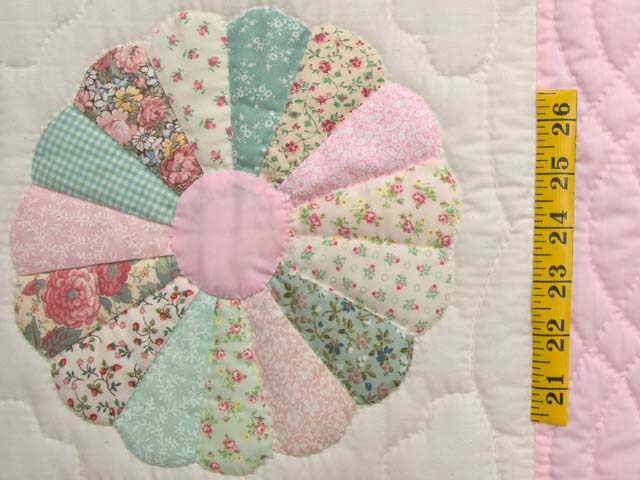 Pastel Pink Dresden Plates Crib Quilt Photo 4