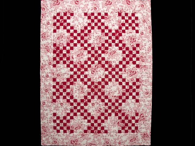 Crimson and Cream Irish Chain Crib Quilt Photo 1