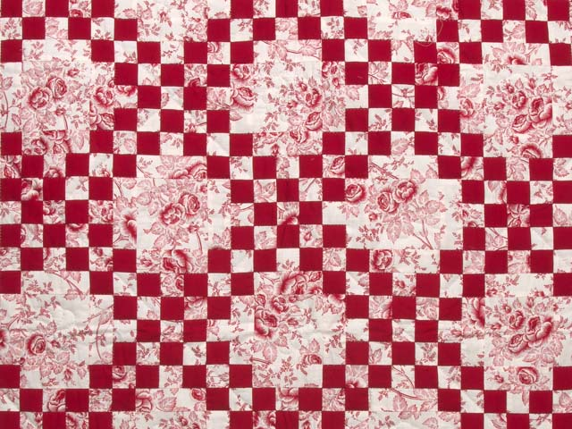 Crimson and Cream Irish Chain Crib Quilt Photo 2