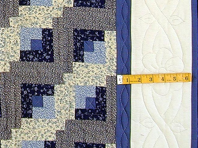 Blue and Cream Log Cabin Wallhanging Photo 3