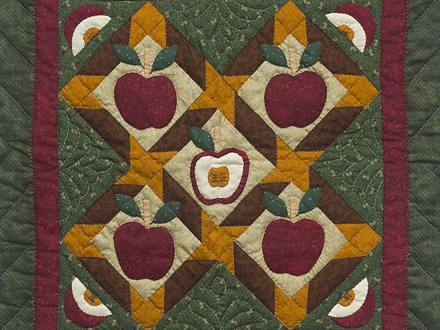 Miniature Apple Slice Quilt Photo 2