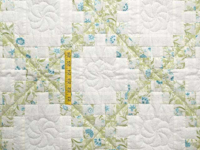 Willow Teal and Cream Irish Chain Crib Quilt Photo 3