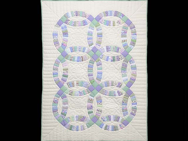 Fine Purple and Green Wedding Ring Crib Quilt Photo 1