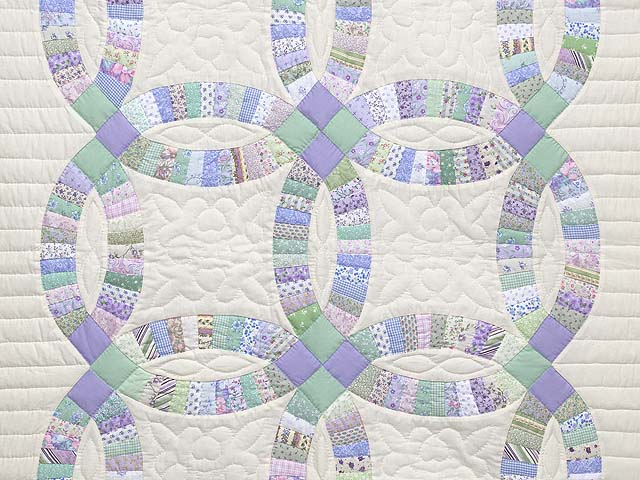 Fine Purple and Green Wedding Ring Crib Quilt Photo 2
