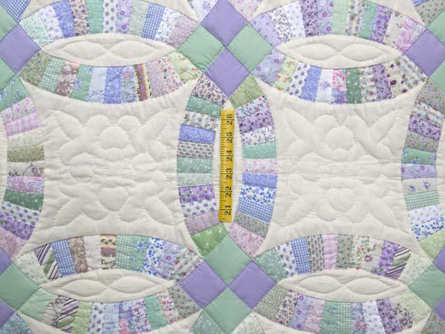 Fine Purple and Green Wedding Ring Crib Quilt Photo 3