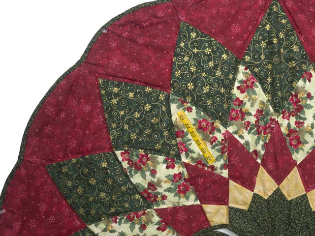 Red Green and Gold Dahlia Star Christmas Tree Skirt Photo 3