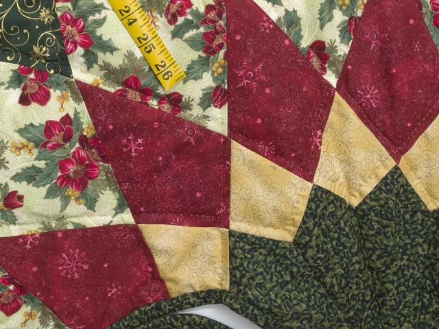Red Green and Gold Dahlia Star Christmas Tree Skirt Photo 5
