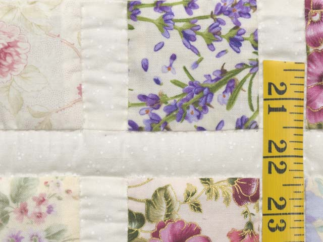 Floral Delight Crib Quilt Photo 4