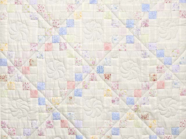 Pastel Irish Chain Crib Quilt Photo 2
