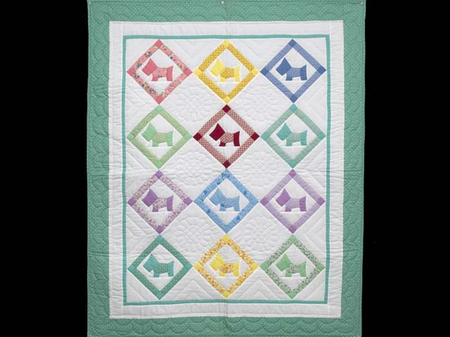 Green and Pastels Scotties Crib Quilt Photo 1