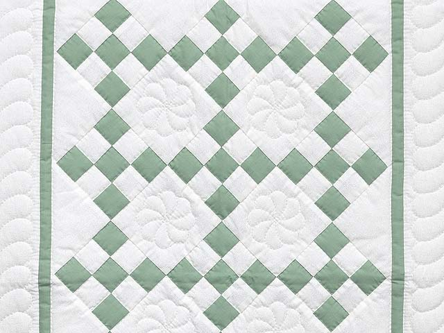 Green and Cream Nine Patch Crib Quilt Photo 2