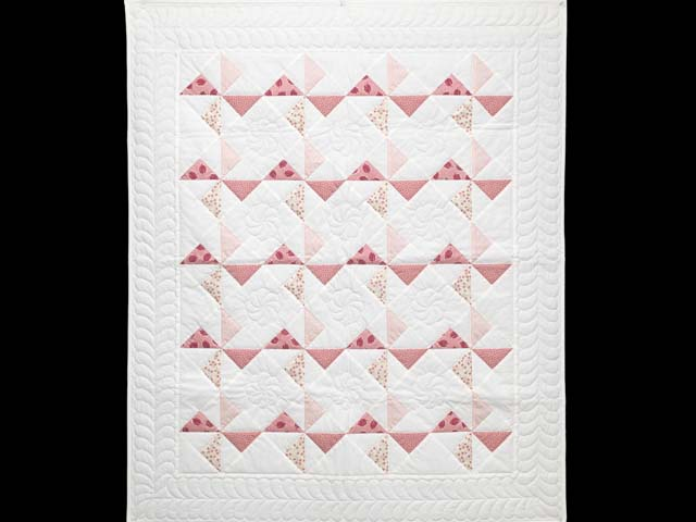 Pink Rose and Cream Pinwheel Crib Quilt Photo 1