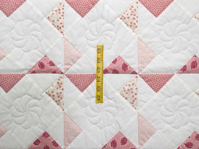 Pink Rose and Cream Pinwheel Crib Quilt Photo 3