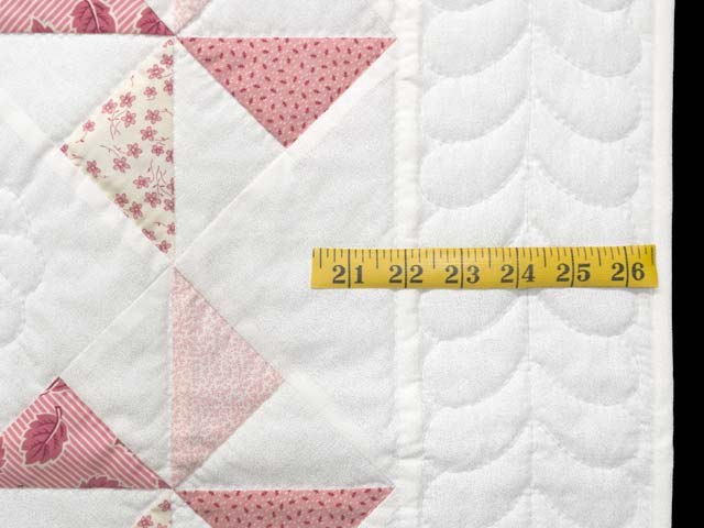 Pink Rose and Cream Pinwheel Crib Quilt Photo 6
