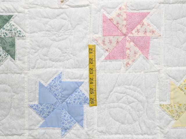 Pastel Yellow and Multicolor Pinwheels Crib Quilt Photo 4