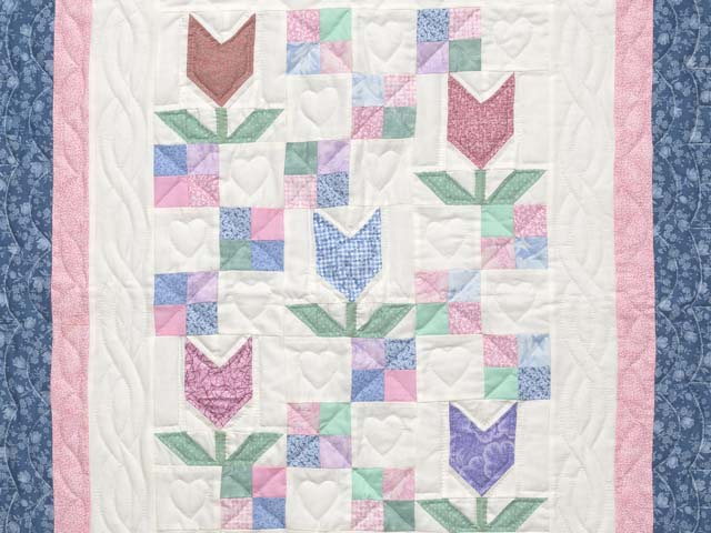 Pastel Patchwork Tulips Crib Quilt Photo 2