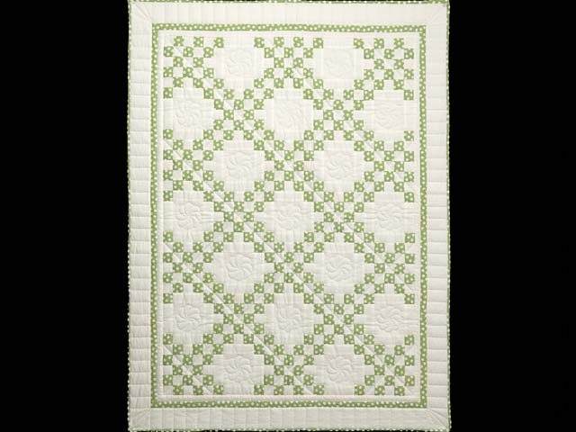 Green Dot Irish Chain Crib Quilt Photo 1