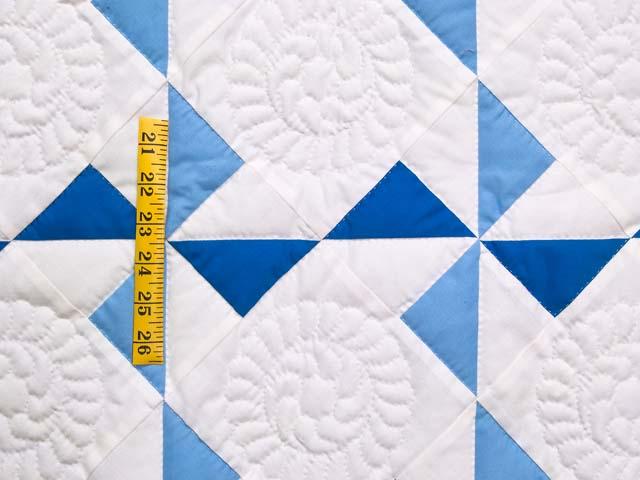 Navy Blue and Cream Pinwheels Crib Quilt Photo 3