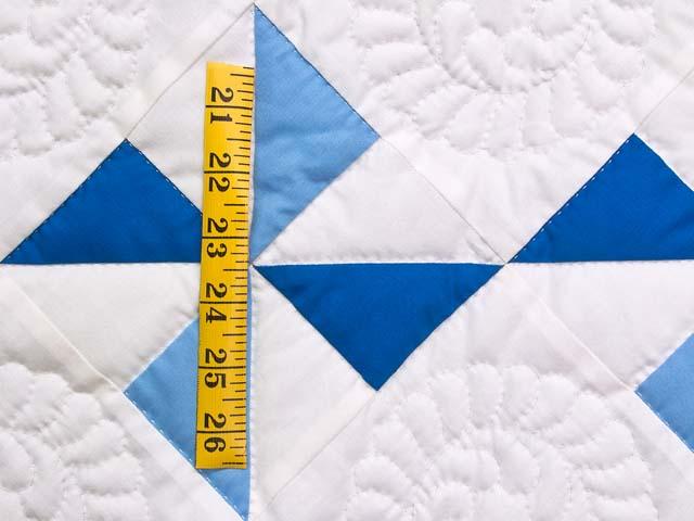 Navy Blue and Cream Pinwheels Crib Quilt Photo 4