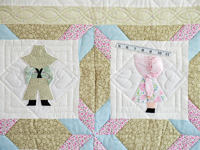 Puffy Hat Sunbonnet Sue & Bill Crib Quilt Photo 3