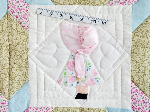 Puffy Hat Sunbonnet Sue & Bill Crib Quilt Photo 5
