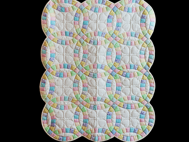Pastel and Cream Wedding Ring Crib Quilt Photo 1