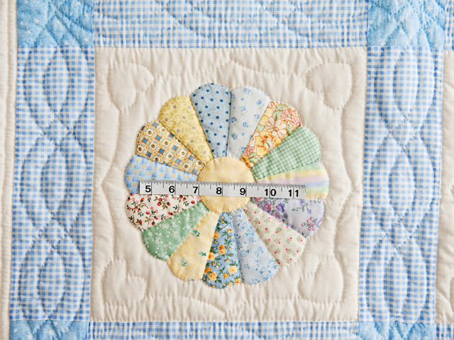 Pastel Blue Dresden Plate Crib Quilt Photo 5
