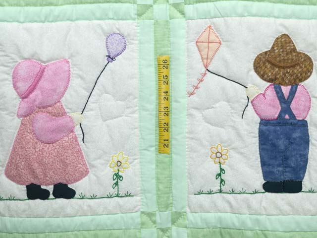 Green Sunbonnet Sue & Overall Bill Crib Quilt Photo 3