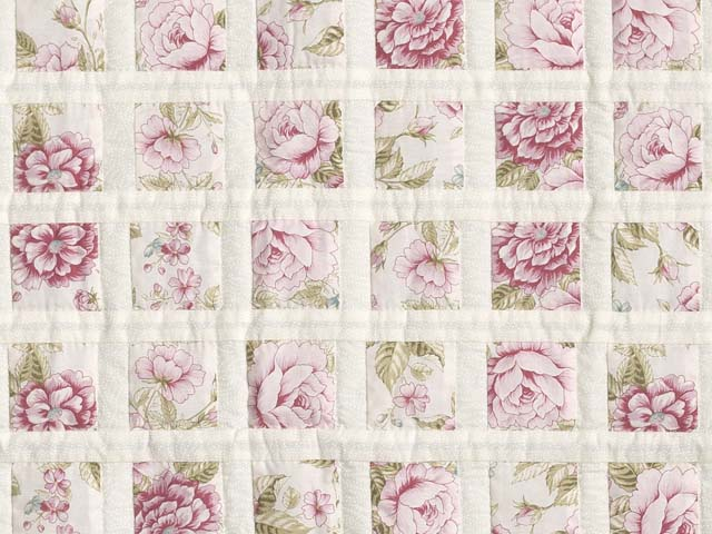 Rose Floral Delight Crib Quilt Photo 2