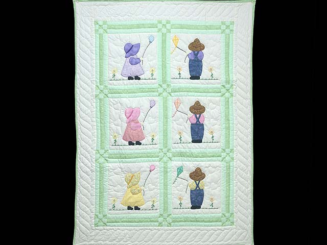 Green Sunbonnet Sue & Overall Bill Crib Quilt Photo 1