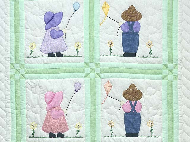 Green Sunbonnet Sue & Overall Bill Crib Quilt Photo 2