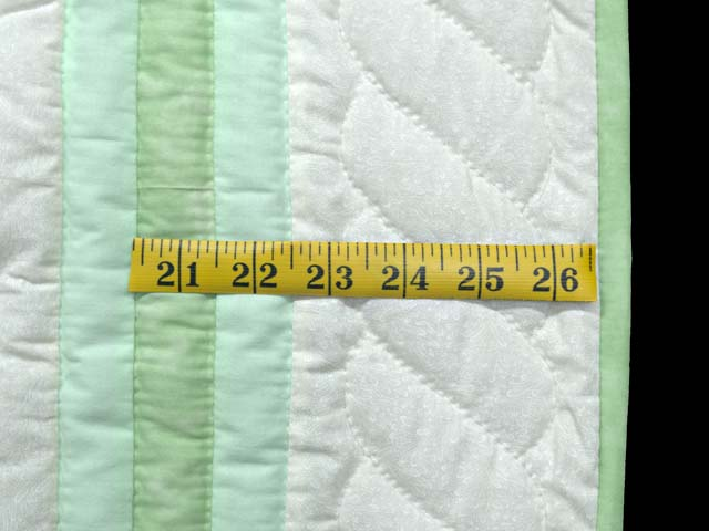 Green Sunbonnet Sue & Overall Bill Crib Quilt Photo 6
